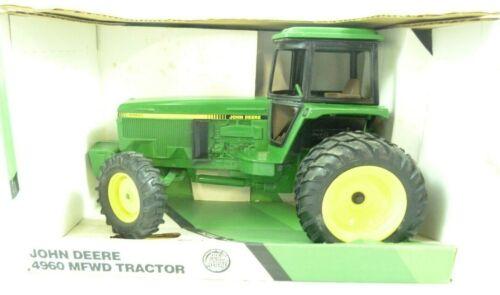 Ertl John Deere 4960 MFWD Green Tractor 1/16 Scale Farm Toy NIB New in Box