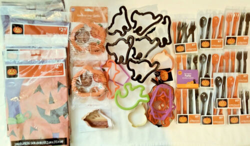 HALLOWEEN COOKIE CUTTER LOT + PLACEMATS / MINI FORKS AND SPOONS NEW! FREE SHIP