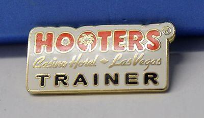 HOOTERS RESTAURANT GIRL WAITRESS STAFF CASINO HOTEL LAS VEGAS TRAINER LAPEL PIN - Casino Waitress