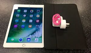 APPLE IPAD AIR 2 GOLD 64GB WIFI & 3G Lawnton Pine Rivers Area Preview