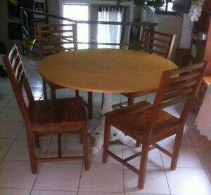 Table bois exotique meubles dans grand montr al for Centre de liquidation de meubles montreal