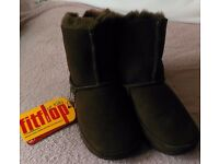 BNWT! Genuine Fitflop Mukluk chocolate brown sheepskin boots size UK 13 / EU 32