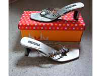 Silver Leather/Crystal/ Diamonti Evening Heeled Sandals - Size 7