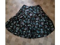 Beautiful Evans skirt size 26, sequin detail to front, elasticated back