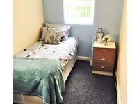 **ROOM AVAILABLE**SELSEY ROAD***BEARWOOD*EXCELLENT TRANSPORT LINKS TO CITY CENTRE*ALL BILLS INCLUDED