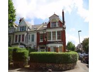 I ESTATES ARE PLEASED TO OFFER THIS TOP FLOOR 2 DOUBLE BEDROOM FLAT NEAR TUBE
