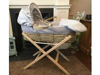 Cuggl Moses Basket With Foldable Stand - Light Grey