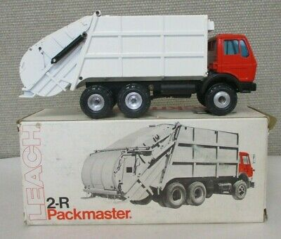 GESCHA MODEL #3041 1:50 LEACH 2R PACKMASTER GARBAGE TRUCK in ORIG BOX