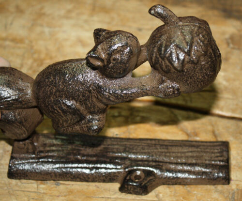 Cast Iron Antique Style SQUIRREL Acorn Door Knocker Nut Cracker Man Cave Garden