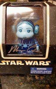 Star Wars CELEBRATION VI Disney Vinylmation Leia Hologram LE. Autographed