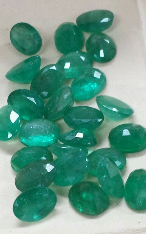 Loose Gemstones natural Emeralds(1stone) 8x6mm ovals. nice color
