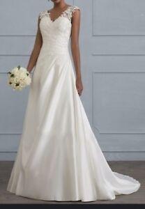 White a line wedding dress
