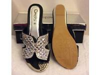 diamante black flip flop sandals size 3