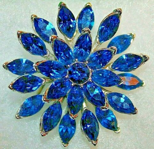 PRISTINE CROWN TRIFARI SIGNED VINTAGE PIN WITH JAW DROPPING BLUE STONES-RARE