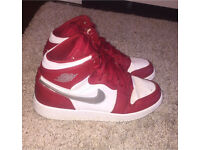 Boys Nike Air Jordan Retro 1's trainers. Size UK 6. £40