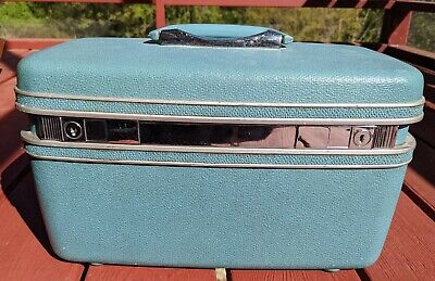 Vintage Samsonite Silhouette cosmetic train case with key blueish green