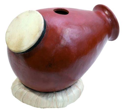 Udu clay drum with goat skin oben