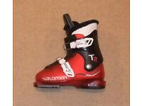 S/H Salomon T2 Junior Ski Boots Size 20, UK 1