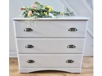 Shabby Chic Look Chest of Drawers.
