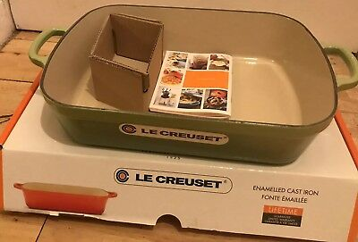 Le Creuset Signature Cast Iron Rectangular Roaster, 33cm - Palm ()
