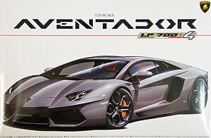 Aoshima-01424-Lamborghini-Aventador-LP700-4-1-24-scale-kit