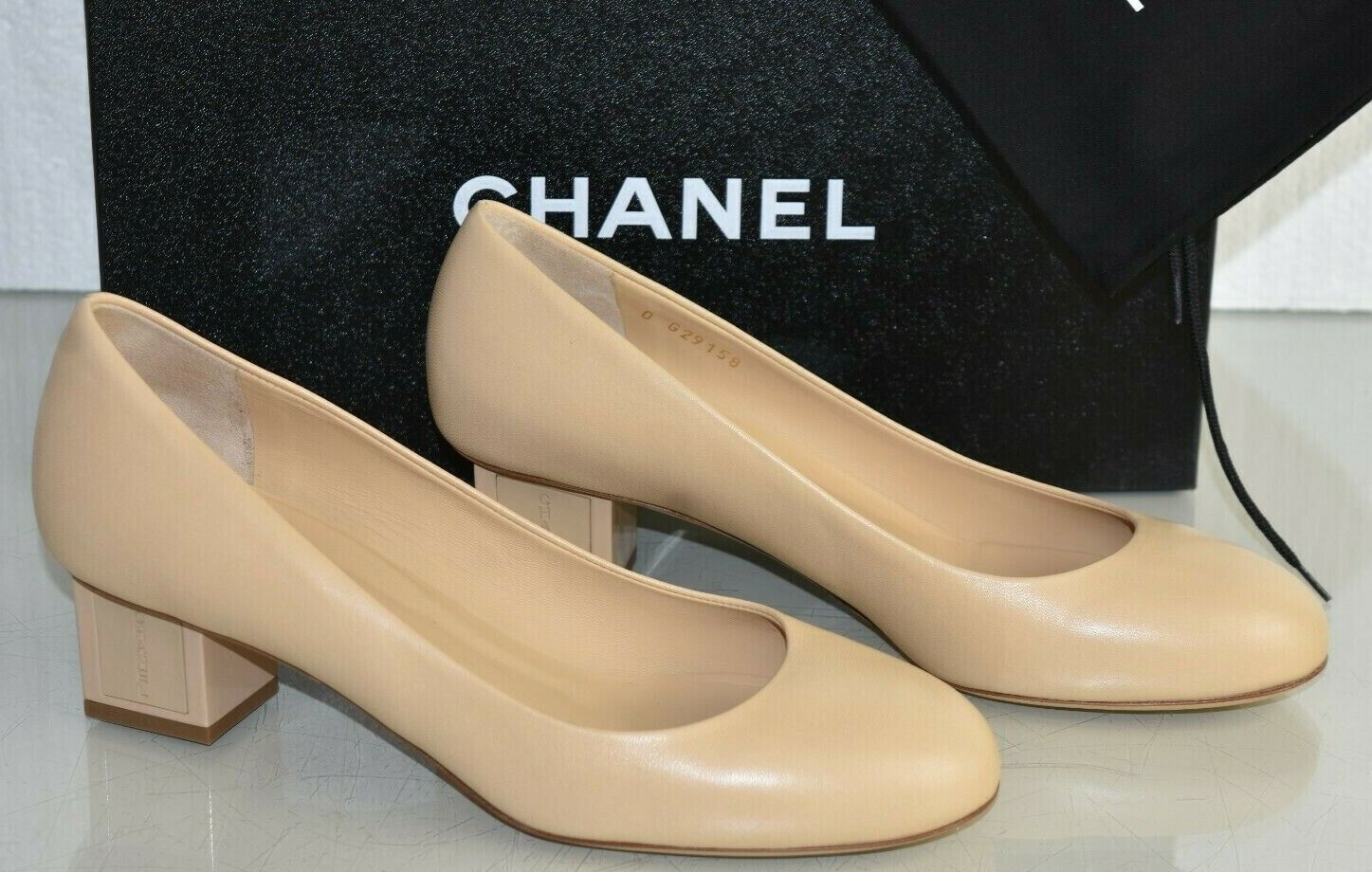 750 NEW NIB Chanel Beige Nude Leather Round Toe Low Heels Shoes Pumps 395