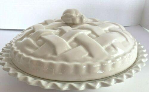 Dansk White Ceramic Pie Saver w/Scalloped Edges & Apple Cover Vintage VHTF sf102