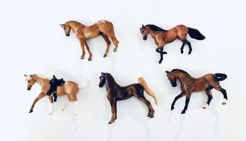 Lot of 5 Breyer Reeves Mini Horse Figurines Toy