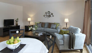 *Open Concept - Spacious 3  bdrm TOWNHOUSES  -  in West Island