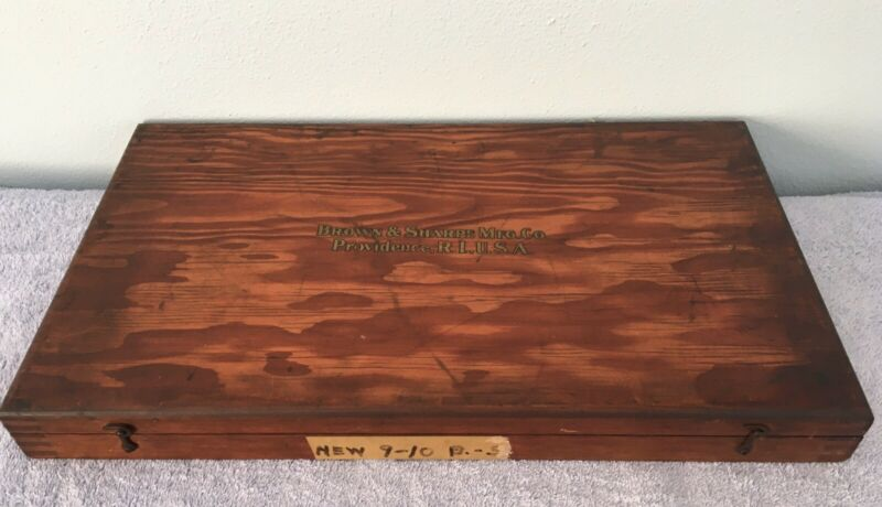 """VINTAGE WOODEN BOX WITH HINGES Box joints corners 18 1/2""""x 11""""x 1 3/4"""" See Pic"""