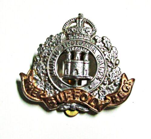 WWII British Suffolk Regiment Bi-Metal Cap Badge