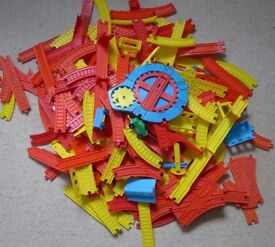 Vintage plastic train set - Mettoy - 170+ pieces