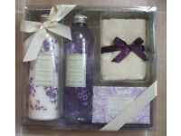 BAYLIS & HARDING LAVENDER TOILETRIES GIFT SET--UNUSED