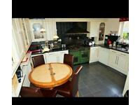 Spacious furnished double room AVAILABLE! SINGLE OCCUPANT & COUPLE ARE BOTH WELCOME