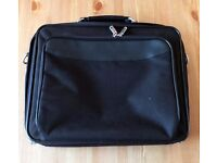 "Laptop bag for up to 15"" laptop"