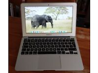 Apple MacBook Air Notebook Computer Intel i5 boxed in excellent condition