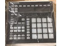 Native Instrument machine Mk2 (black) Studio with Decksaver cover