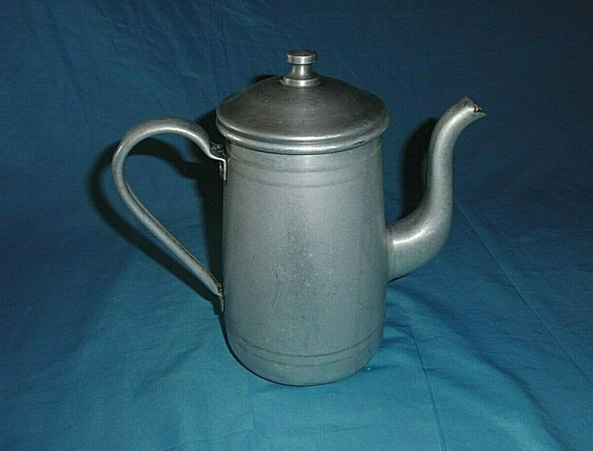 alte Alu Kanne Kaffeekanne mit Deckel aus Aluminium