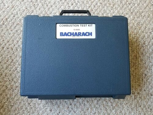 Bacharach 10-5000 Fyrite Gas Analyzer Combustion Test Kit with Hard Case