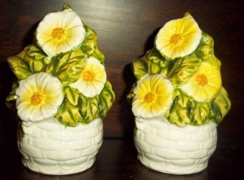"VTG Ceramic LEFTON Salt & Pepper Shakers 3.5"" Yellow Flowers Marked W Paper Tag"