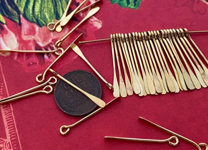 Vintage 3 x 27mm Gold Tone Metal Flat End Paddle Charms Findings 24