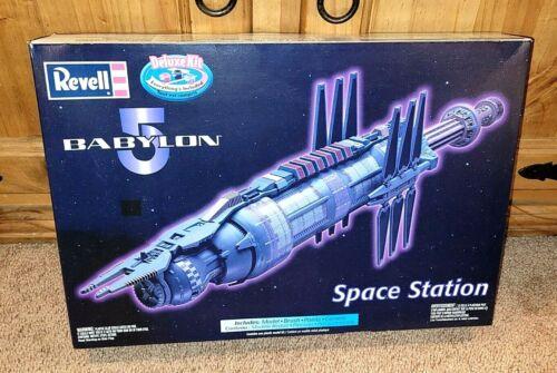 GALACTIC Revell Monogram Babylon 5 Space Station Deluxe Model Kit NEW & Boxed!