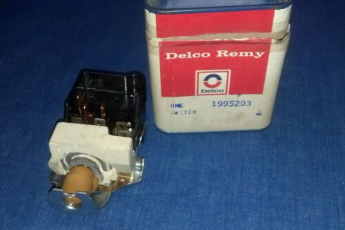 NOS Delco D-1599 Headlight Switch GM 1995203 Buick Oldsmobile 1964 - 1977