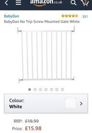 *NEW IN BOX* Babydan Babygate - White 72 - 78.5 cm