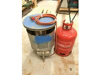 Industrial gas space heater, with full tank of propane