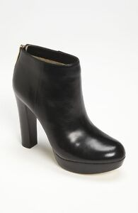 MICHAEL Michael KORS black leather ankle boots (7)
