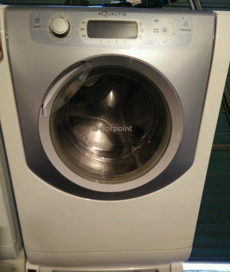 hotpoint aqualtis washing machine 9kg 1600 spin in. Black Bedroom Furniture Sets. Home Design Ideas