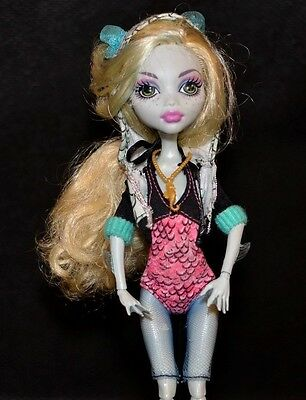 Monster High Lagoona Blue Doll Outfit and Fish Accessory
