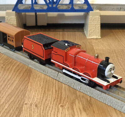 Thomas The Train Trackmaster Tomy Plarail JAMES WHITE RUNNING BOARD TESTED WORKS