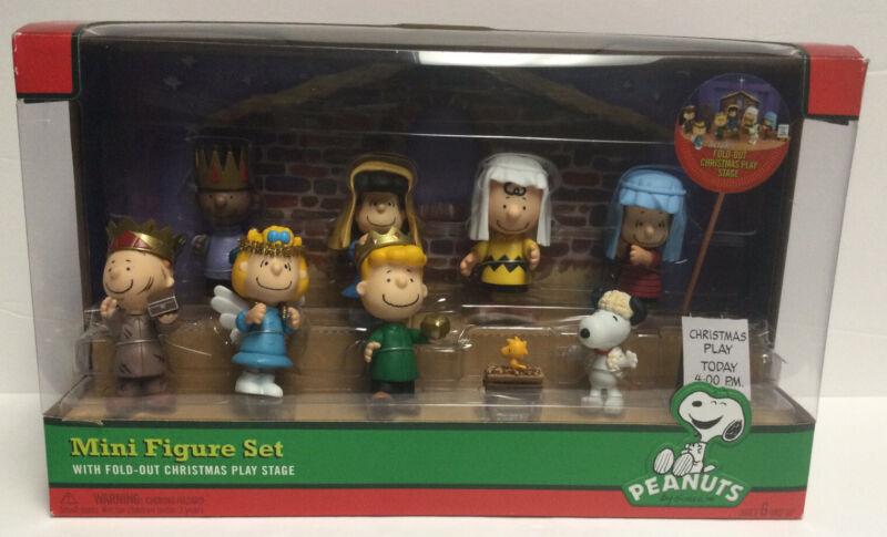 Peanuts 9-piece Mini Figure Christmas Nativity Set Fold Out Stage New Snoopy